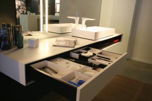 Showroom wastafel met lade indeling