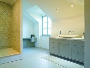 Badkamer met kasten op maat