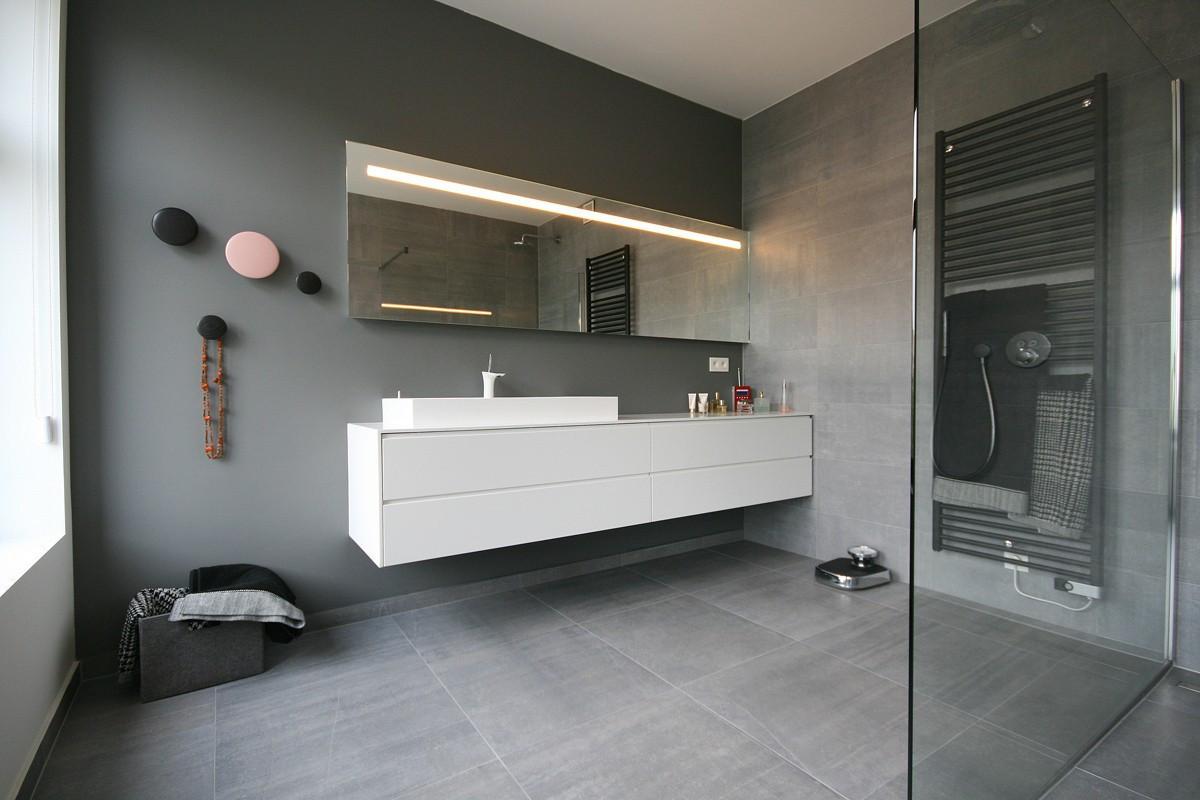 Badkamermeubel Met Badkamerkast : Badkamermeubel op maat ga voor praktisch design zonder compromissen