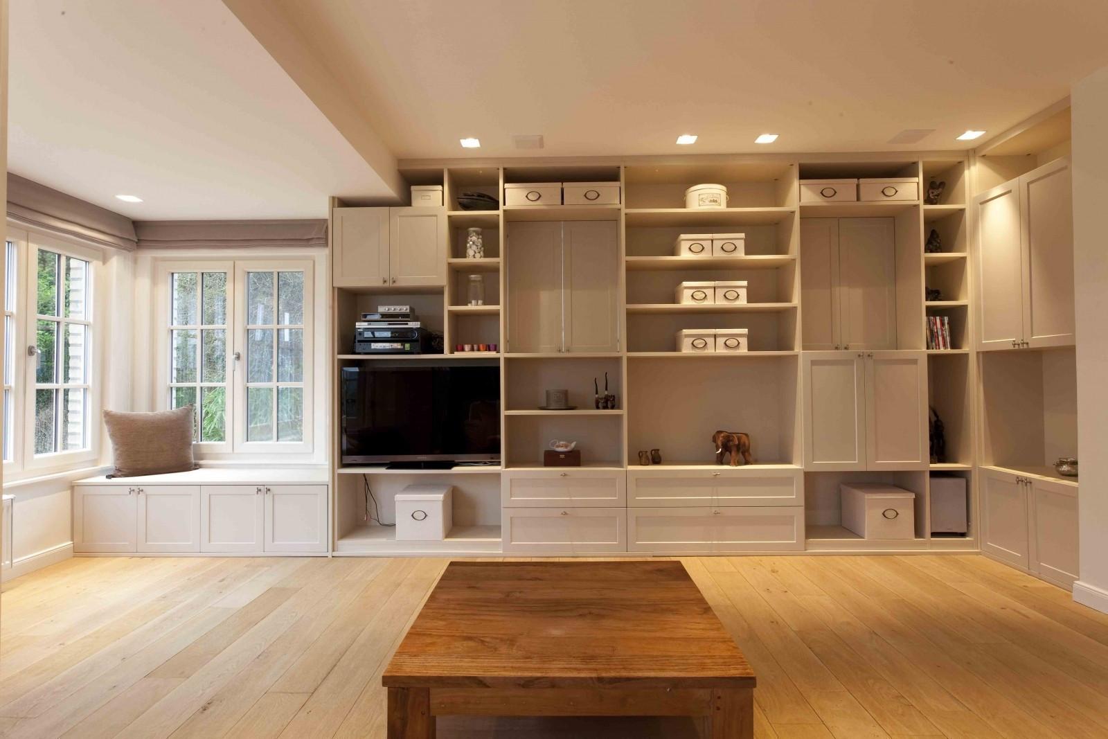 Landelijk meubel in living kast id kasten meubelen for Landelijke living
