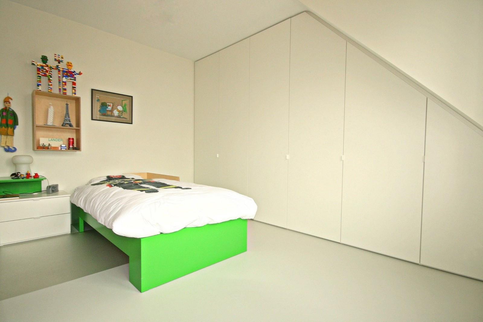 Armoire Murale Pour Chambre armoire de chambre à coucher dans la chambre des enfants