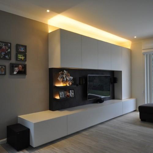 Maatkasten perfect passend in je woonkamer kast id kasten meubelen dressings - Hoe een rechthoekige woonkamer te voorzien ...